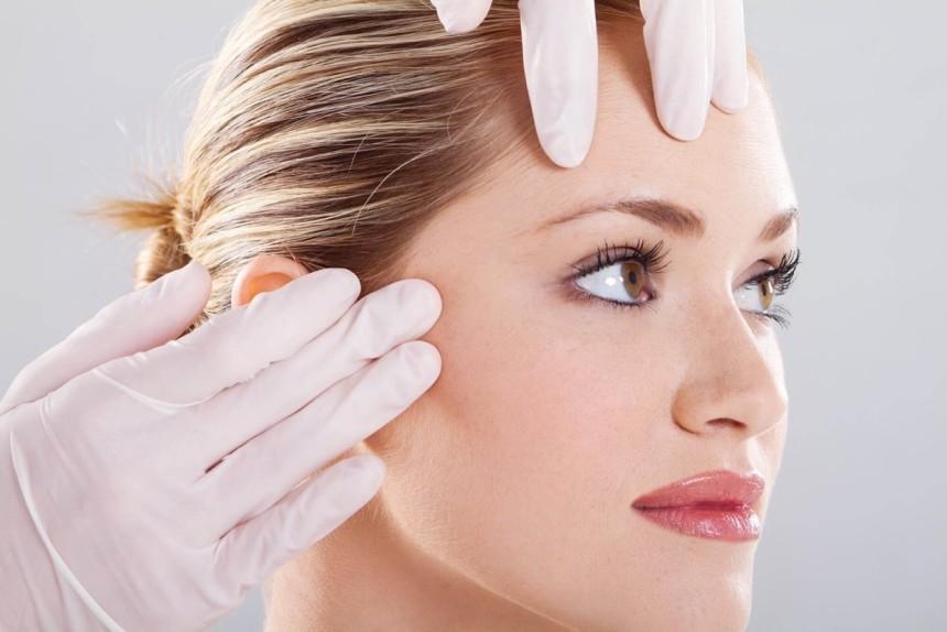 Ameliyatsız yüz gençleştirme yöntemleri ile daha genç görünün