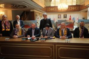 Asırlık Çınar'ın stadı için imzalar atıldı
