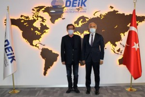 IAS Yönetim Kurulu ve DEİK Başkanı Nail Olpak bir...
