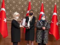Emine Erdogan, Gökçe Hatipoğlu, Zehra Zümrüt Selçuk