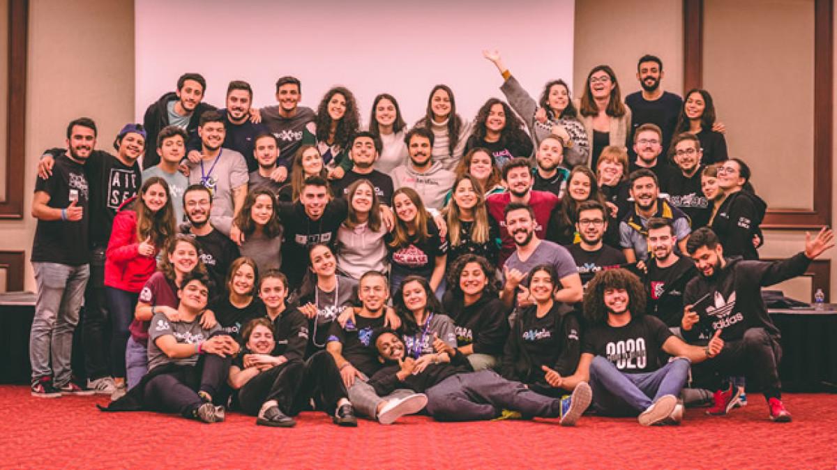 AIESEC Türkiye'yle Gençliğin Sesi olma fırsatını k...
